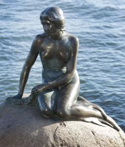 Den Lille Havfrue av Edvard Eriksen. Foto: Bjarke Ørsted