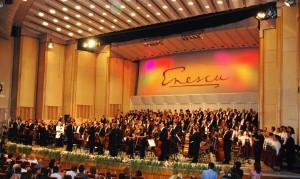 Enescu Festival Orchestre and Choir 2011 with Gennadij Rozhdestvensky after Ivan le Terrible. Foto: Henning Høholt