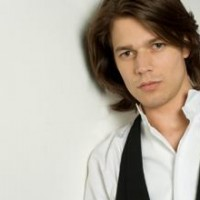 David Fray, pianosoloist in Beethovens 3rd Pianoconcert with Deautsche Kammerphilharmonie, Bremen, foto EMI
