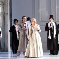 Renée Fleming (Arabella)  surrounded by from left: Edwin Crossley-Mercer (Graf Dominik), Eric Huchet (Graf Elemer), et Thomas Dear (Graf Lamoral)Photo Ian Patrick