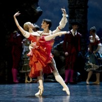 Yolanda Correa; Yol Carreno, Foto Erik Berg. the photo is  from the Norwegain National Opera and Ballet, Oslo, from Don Quixote.