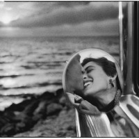 Santa Monica, California. 1955. Photo: Elliott Erwitt  Magnum Photos