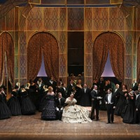 Traviata, first act.  photo Massimo D'Amato