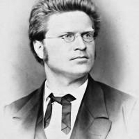 Bjørnstjerne Bjørnson var også innom Øvre Vollgate 2.mens Nina og Edvard Grieg bodde der.