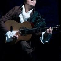 Figaro playing accompainement for Count Almavivas opening aria. Il Barbiere de Sevilla, foto Martynas Aleksa