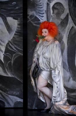 Viva la Mamma av Donizetti. Espen Langvik som Mamma  . Foto: Jörg Wiesner
