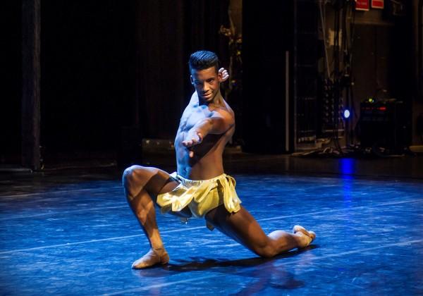 Osiel Gouneo, ballett verdensstjerne, som representerer Nasjonalballetten og ikke minst seg selv over hele verden. Gledet pressen på presentasjonen programmet for sesongen 2015/16. Foto: Jörg Wiesner