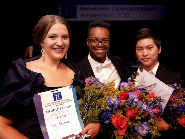 Belvedere 2015 winners.  From left to right: Lise Davidsen (2nd Prize + Audience Prize as well as Prize of the Int'l Media Jury), Levy Sekgapane (1st Prize), Ki Hun Park (3rd Prize) Foto: © Paul van Wijngaarden