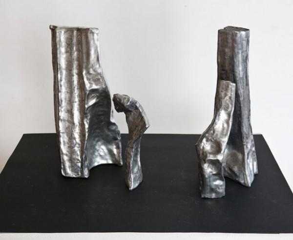 Jean-Louis Tarrou viser skulpturen