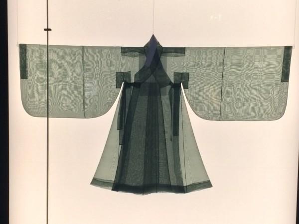Korean nearly see through kimono. Foto Henning Høholt