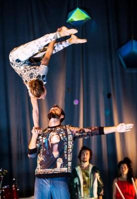 Akrobatikk med eleganse i Cirkus Cirkör, som starter sin Norges turne i Bærum Kulturhus 18. og 19. September.
