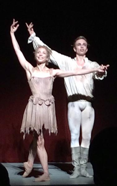 Eugenie Skilnand og Douwe Dekkers som Manon og Des Grieux, foto Tomas Bagackas, fra applaus 16.10.2015