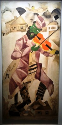 Marc Chagall, The Fiddler from the Yiddish Theatre, Moscow 1920. Foto Henning Høholt