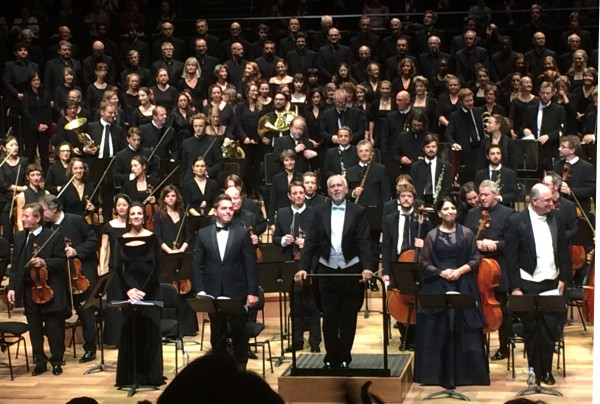 Together with orchestra and choire was four first class soloists. Joyce El-Khoury, soprano. Varduhi Abrahamyan, mezzosoprano. Paolo Fanale, ténor. Michele Pertusi, bass. An extraordinary good cast in the demanding soloparts. Foto Henning Høholt