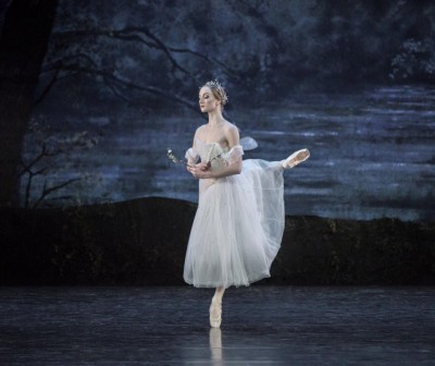 Grete Sofie Borud Nybakken will have her debut as Myrtha on Saturday, in Cynthia Harvey's production of Giselle. 3 Foto Erik Berg