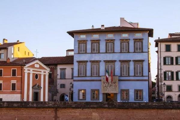 The Blue House Gallery. photo: Kinzica Sorrenti