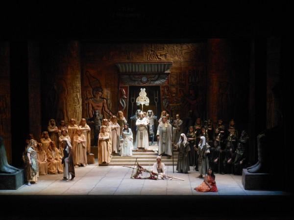Aida, Triumphal choice,  ensemble 1st act, photo Teatro di Pisa.