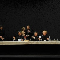 The officers dining table at Passion, to the right Ryan Silverman as Giorgio. Foto Theatre du Chatelet