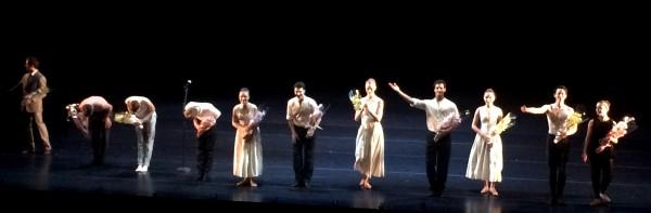 DEr var også blomster fra Norsk TIpping til samtlige, samt til UNGs leder Kaloyan Boyadjiev , helt til venste, og til ballettsjef Ingrid Lorentzen. Foto Tomas Bagackas