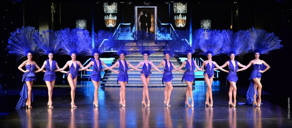 The Blue Bell Girls in the Blue dancing act, Foto: Pascaline LABARRERE.