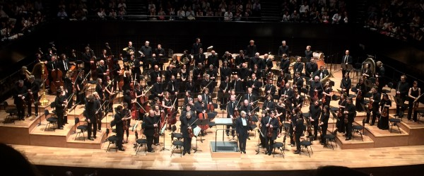 Herbert Blomstedt and the famous Orchestra de Paris after Mahlers 1st Sympnony - Titan - Extraordinaire. The applause would´t stop. Foto Tomas Bagackas