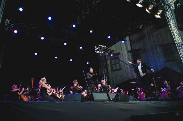 The Lithuanian Chamber Orchestra and Modestas Petrenas in fully action with the soloist Merinos Vitelskis