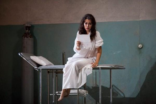 Francesca Dotto as Violeta Valery