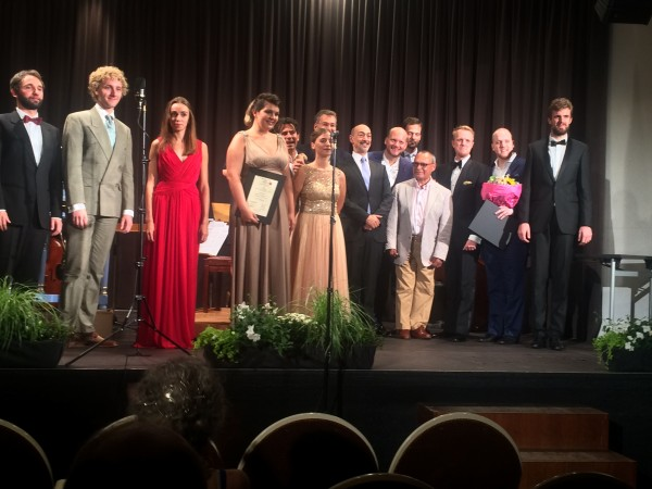 The eight finalists together with the jury after the competition. Foto Henning Høholt