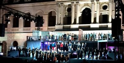 Applause for La Boheme in Invalides, Paris. Foto Tomas Bagackas