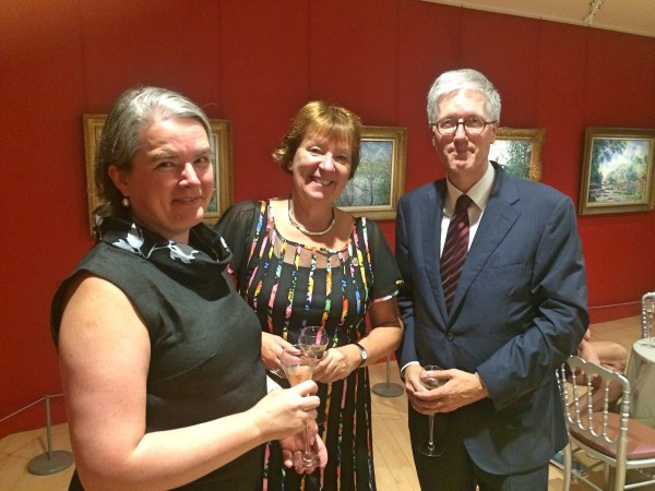 Marianne Borgen, the Mayor of Oslo (center) represented Oslo at the opening, here together with Rolf Einar Fife, the Royal Norwegian Ambassador (right) and  Ministre Inga Marie Weidemann  Nyhamar. Foto Henning Høholt