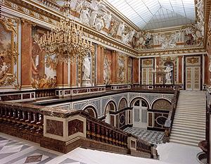 Parade staircase, main entrance. Foto Bayerisches Schlossadministration.