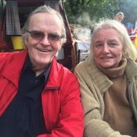 Ruth WESENLUND, her sammen med en annen stor musikal personlighet Andreas Diesen, forteller om avdukningen av Rolvs Byste i Horten 17. September til Kulturkompasset. Foto Henning Høholt