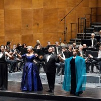 Curtain call, with all the singers from the left: Lupinacci, Mei, Spyres, Pratt , Olivieri. photocredit: Opera di Firenze