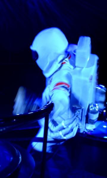 Selvsagtåpner Galaxy showet på Color Fantasy med en månelanding. Foto Tomas Bagackas