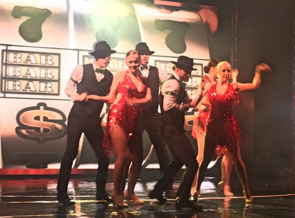 Tøffe gutter og elehgante damer på Casino i Las Vegas. Foto Tomas Bagackas