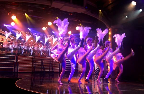 Can can i finalen på Las Vegas showet på Color Fantasy. Foto Tomas Bagackas.