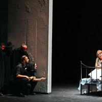 Rigoletto - Sadovnikova and chorus, fotos Massimo d´Amato