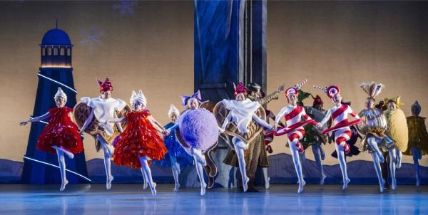 24 praktfulle unger fra Ballettskolen. Jeg noterte meg til og med vaffel hjerter med syktetøy og rømme.