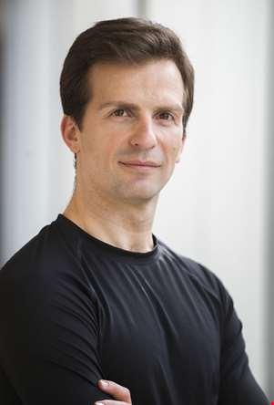 Kaloyan Boyadjiev har koreografert og iscenesatt Nøtteknekkeren med Nasjonalballetten.