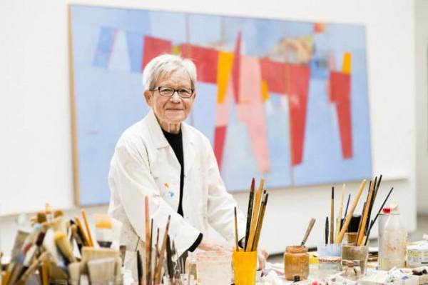 """Finskfødte Irma Salo Jæger er en kunstner i full vigør. 13. januar ble utstillingen """"På en varm dag"""" åpnet på HOK."""
