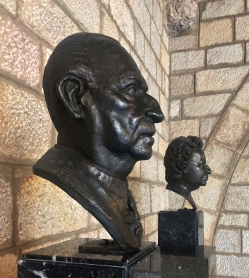 Two Busts of H.R.H Juan de Borbón and Battenberg and H.R.H. Maria de las Mercedes de Borbón and Orleans by the sculptor Ramon Cuello, commemorate the 50th anniversary of the adoption of the title of Counts of Barcelona (1991).