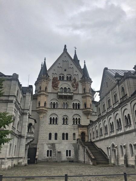 Main building seen from inside the yard of Neuschwanstein