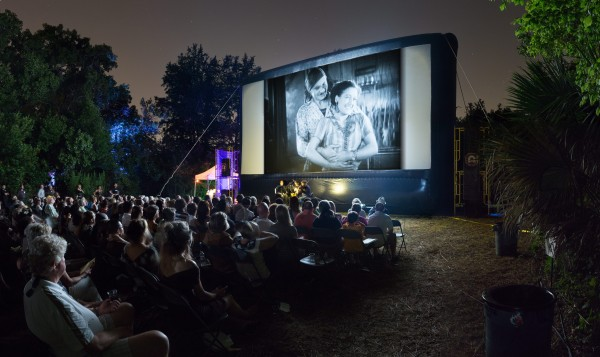 Sirkus, stumfilm og live musikk på Norges premieren av «The Unknown» i regi av Tønsberg filmklubb.  Foto Arlem Nydam.