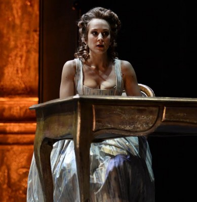 Manon belongs to the world of Carmen and Lulu, ending in tragedy.