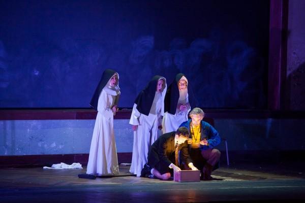 Bae, Bernini and Pilipenko as the Threee Ladies, together with Gatell-Tamino and  Rrduini-Papageno, All Fotos: Simone Donati