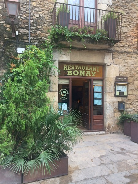 Bonny, exclusive Restaurant with atmosphere, and own wine cellar at Palafrugelli.