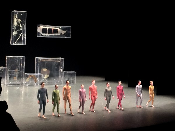 Merck Cunningham: Walk Around Time (1968) to Marcel Duchamp strange text, and sound collage and scenography. Beautiful dancers. applause foto Henning Høholt