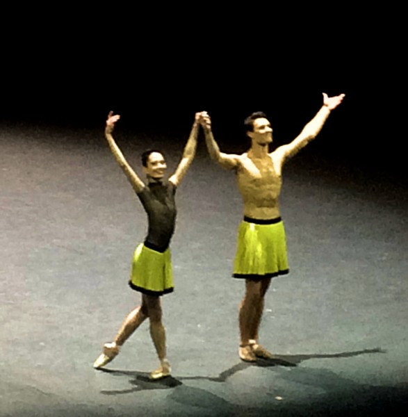 Hannah O´Neill and Hugo Marchand (?) who  danced a happy brilliant Forsythe pas de deus very well, excellent, with great musicality and elegance. They saved all the evening.
