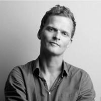 Andreas Engesvik er en av Norges berømte designere, med stor alsidighet og renhet i sitt produktsoekter. Nå med delikate pledd. Foto fra Engesviks hjemmeside.