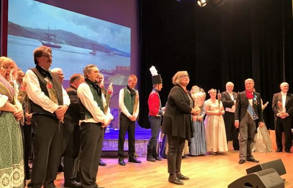 Jubel og takk ved premieren. Foto: Torkil Baden